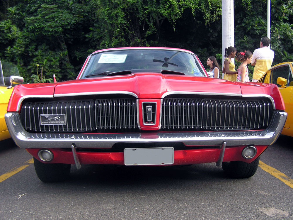 1968-Mercury-Cougar-XR7-01